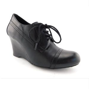 BORN Crown Black Leather Wedge Ankle Booties 7